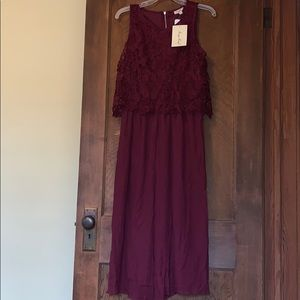Wide-leg maroon jumpsuit with embroidery!